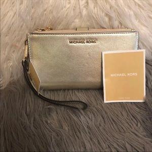 Michael Kors iPhone 6, 7, 8 Plus Wristlet Wallet